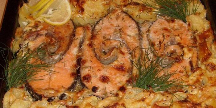 Рецепты горбуши запеченной в духовке с картошкой 156